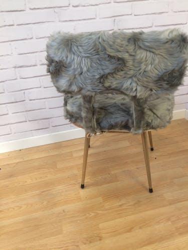 Grey moumoute chair