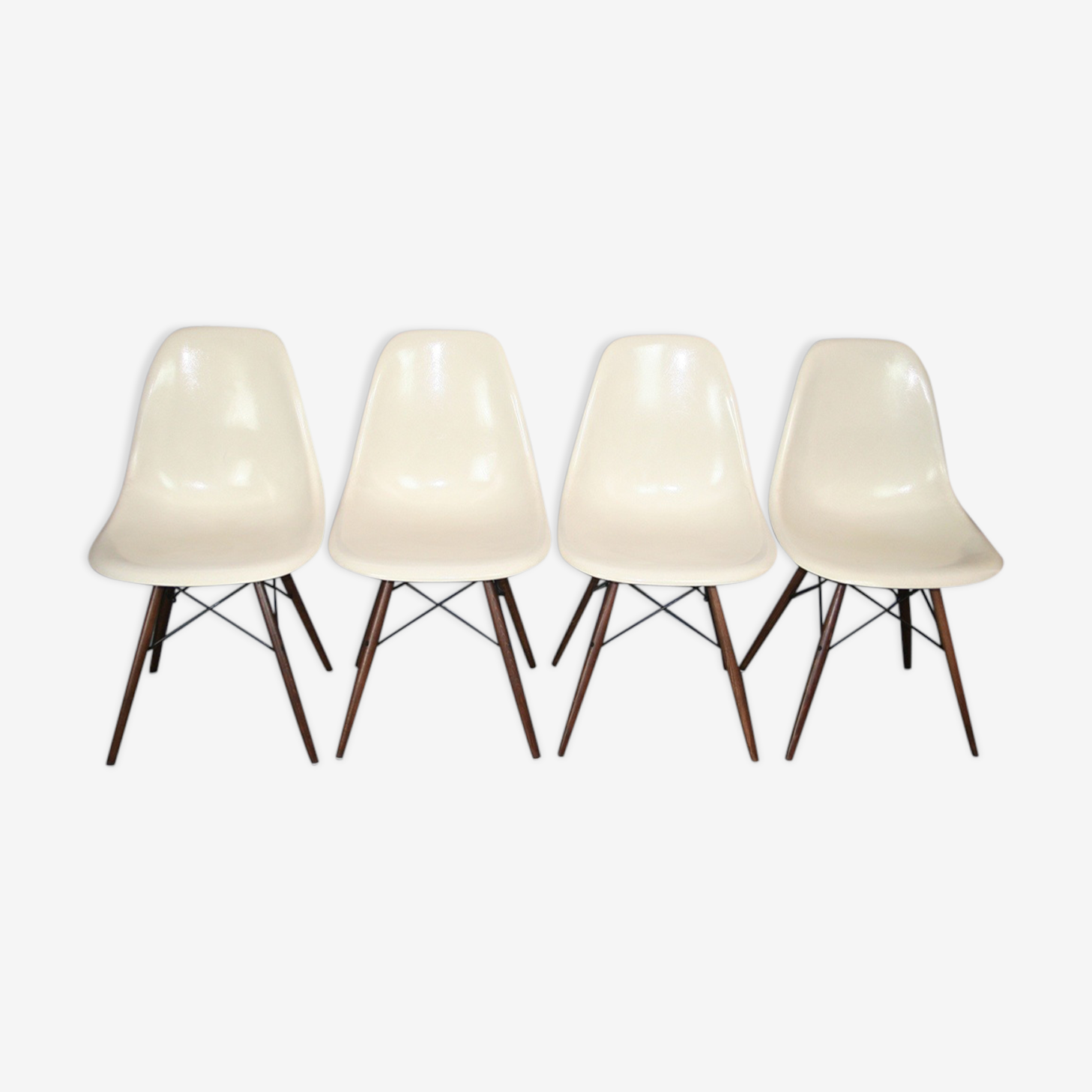 Set of 4 chairs DSW Eames Herman Miller