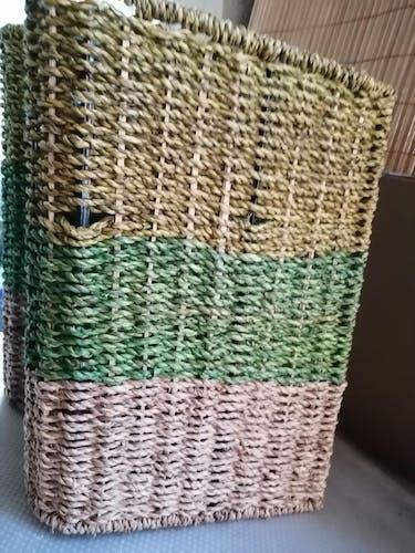 Porte revues en paille tressée style scandinave