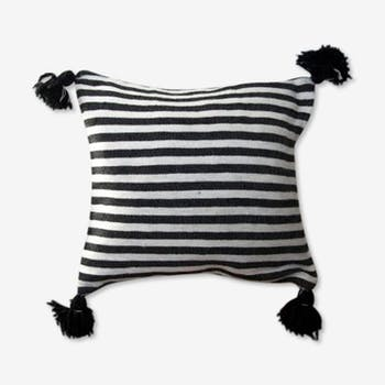 Berber cushion black lines and white medium