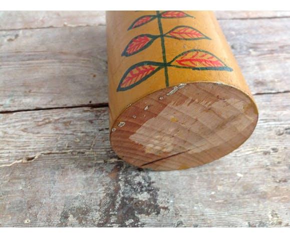 Poupée en bois