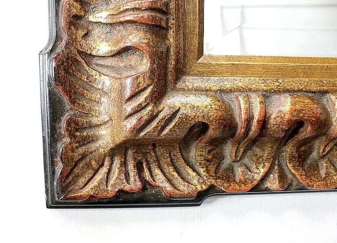 Miroir rectangulaire en bois et stuc teintés or – 1920
