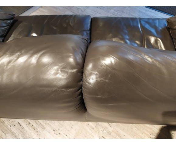 Canapé Maralunga cuir gris Edition Cassina