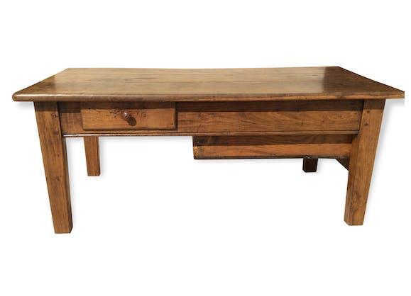 ancienne table basse en ch taignier bois mat riau marron vintage 69426. Black Bedroom Furniture Sets. Home Design Ideas