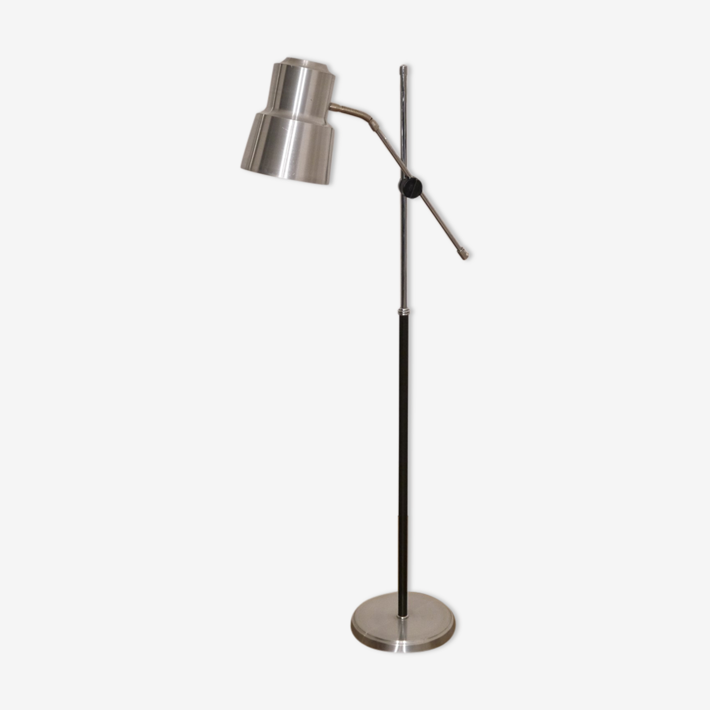 Lampadaire en aluminium brossé