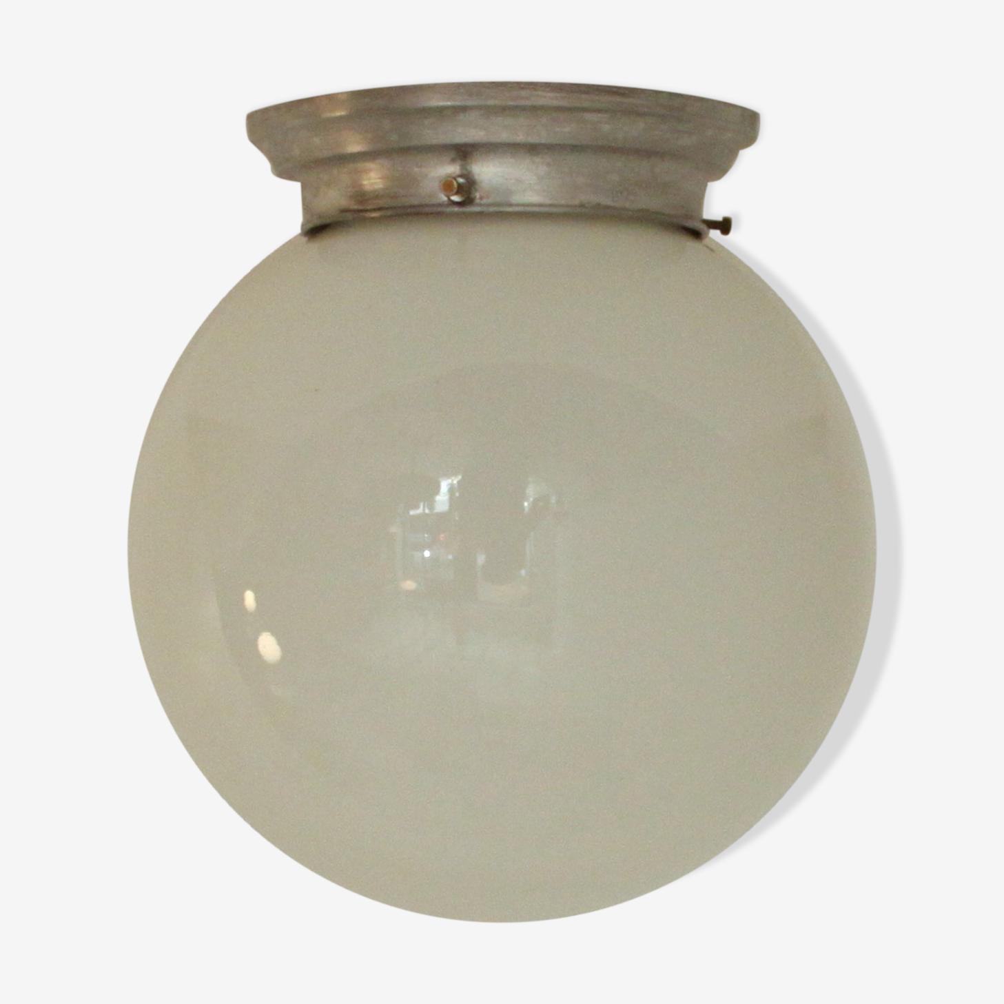Plafonnier globe boule en verre opaline blanche