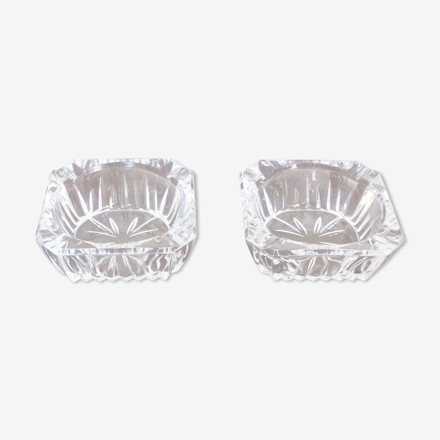 2 crystal ashtrays