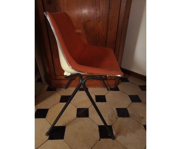 Chaise L202 par Roland Schweitzer pour Lafarge