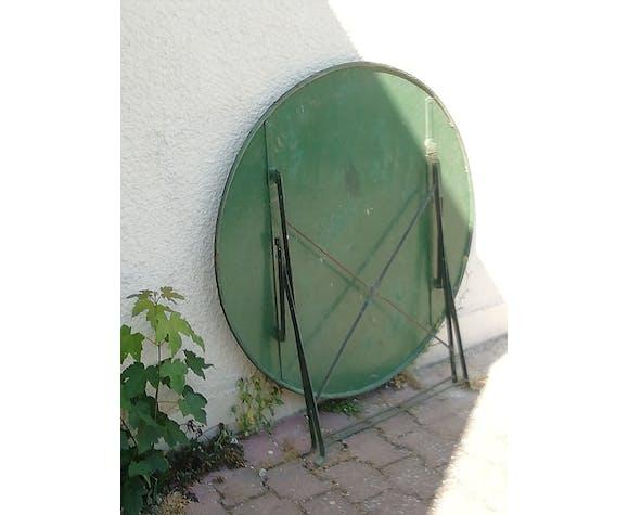 Table de jardin verte en fer