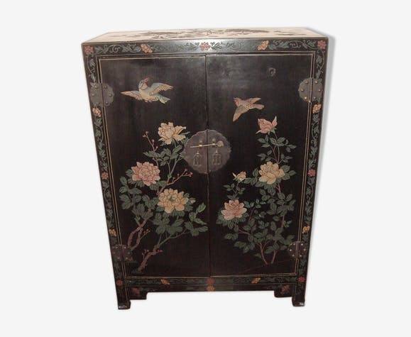 Chinese accent furniture black lacquered dating from 1970