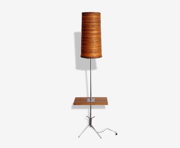 lampadaire avec tablette int gr e et pied cocotte des. Black Bedroom Furniture Sets. Home Design Ideas