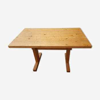 Table en pin Charlotte Perriand
