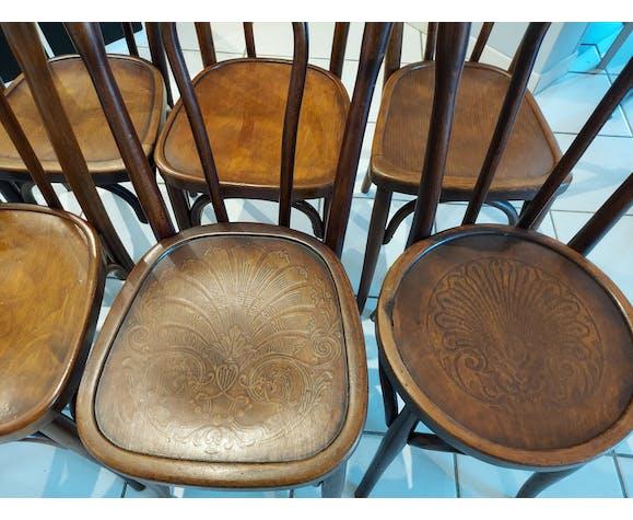 Suite de 8 chaises de bistrot vintage dépareillées Baumann,luterma ,fischel...
