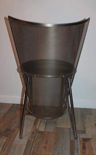 Chaise design en acier perforé des années 80