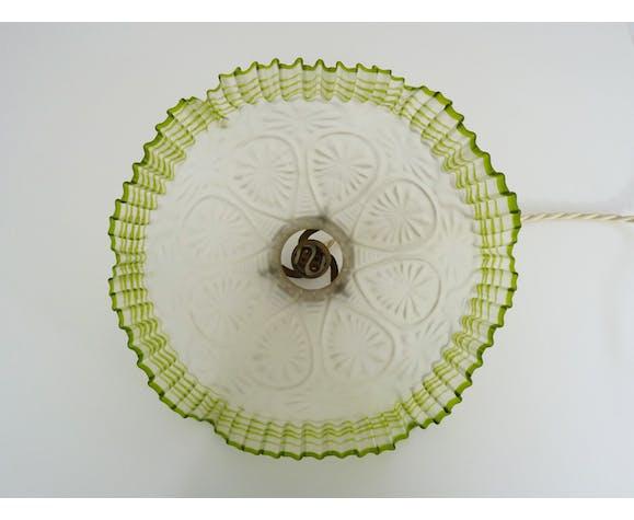 Suspension dentelle en verre transparent avec collerette verte