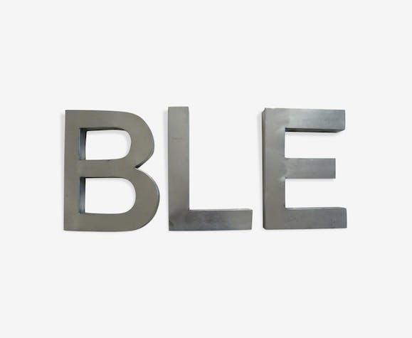 Lot de 3 lettres industrielles en métal blanc