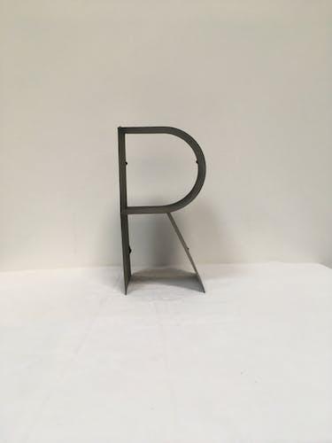 Ancienne lettre d'enseigne R