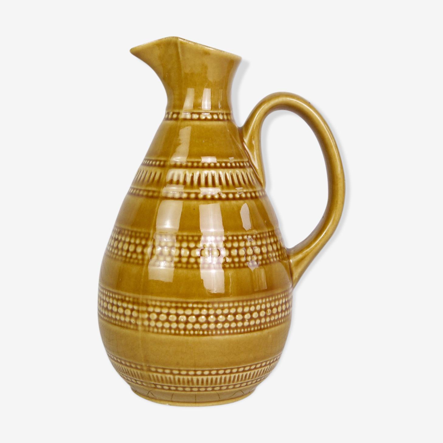 Pichet en céramique