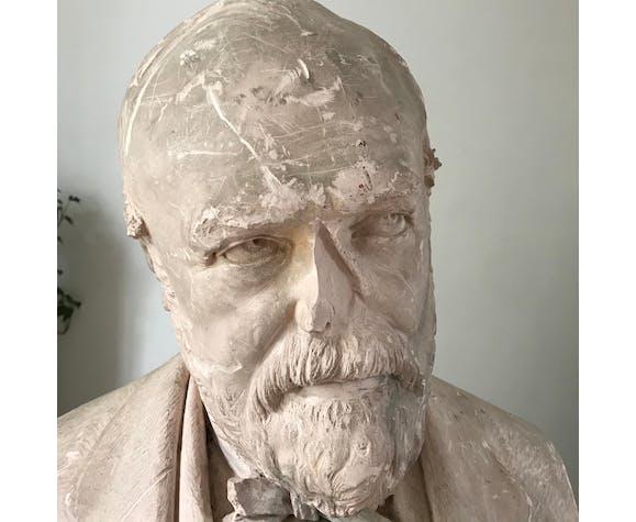 Buste en plâtre rose de l'artiste Auguste Nayel 1875