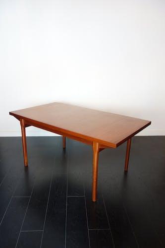 Table à manger scandinave en teck des années 1960