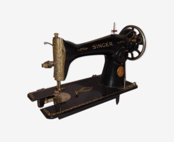 Machine à coudre Singer Napoléon noir et or