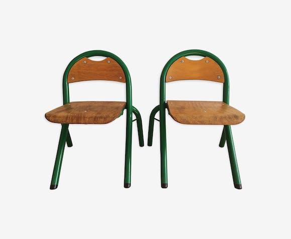 Chaises d'école maternelle