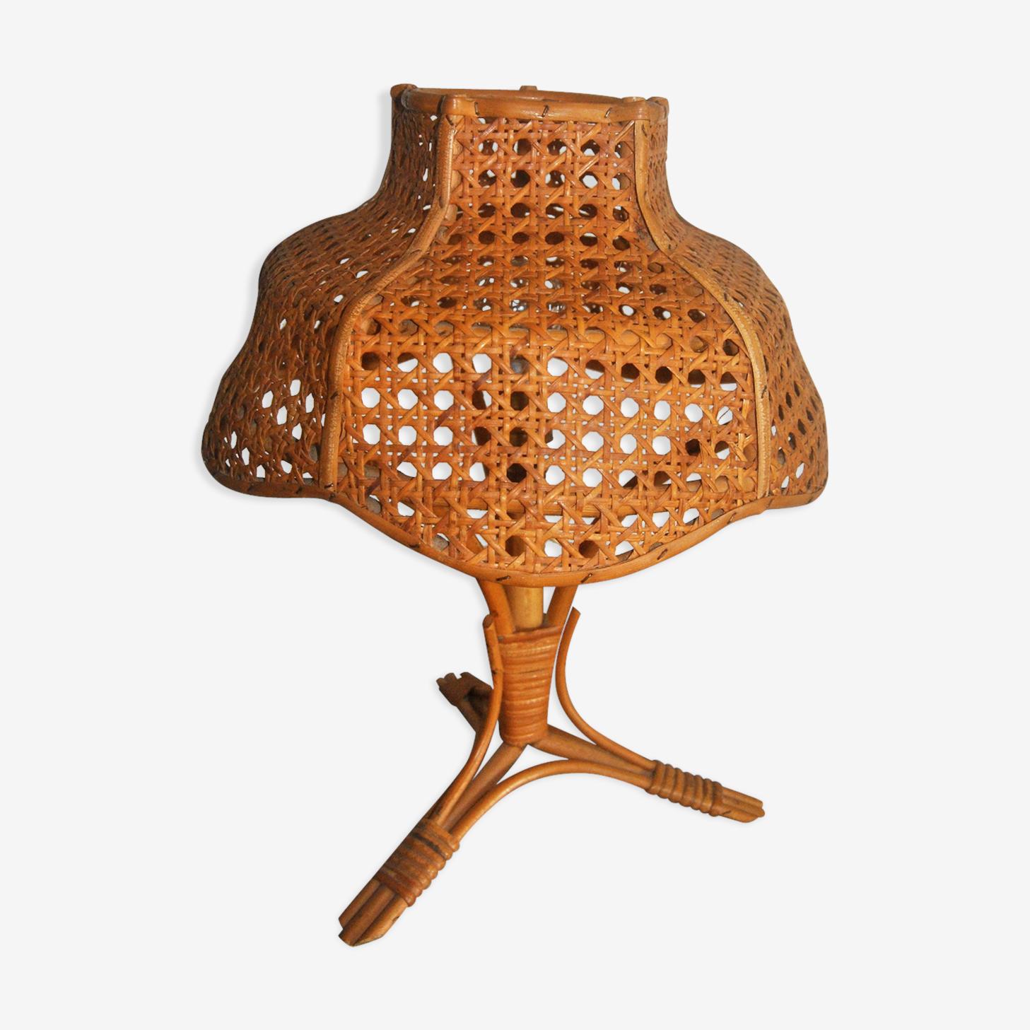 Tripod lamp rattan
