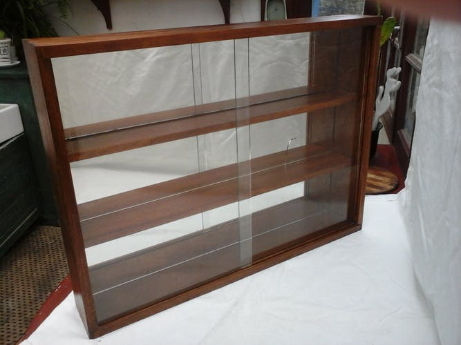 Mirror window to hang or lay