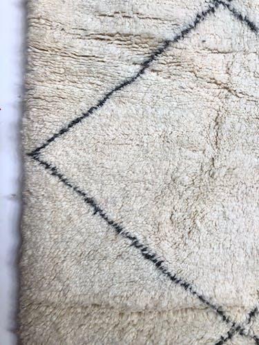Tapis berbère Beni Ouarain à losanges noirs 2,69x2,07m