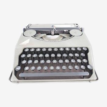Typewriter hermes baby ribbon nine