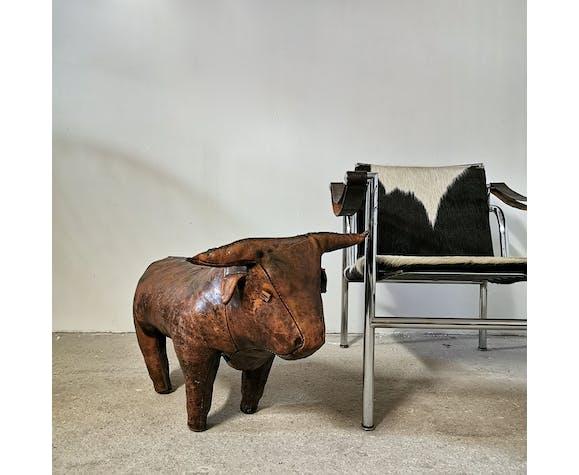 "Ottoman en cuir ""Bull"" de Dimitri Ormesa, 1960"