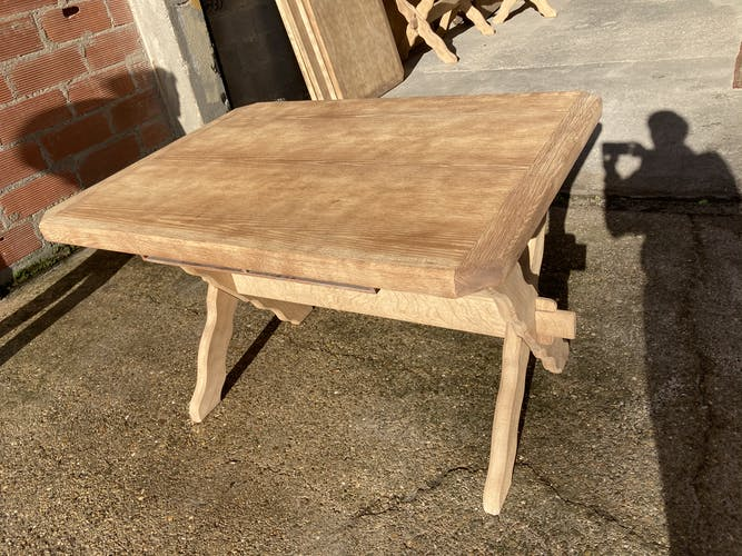 Série de 6 tables en chêne aéro gommée