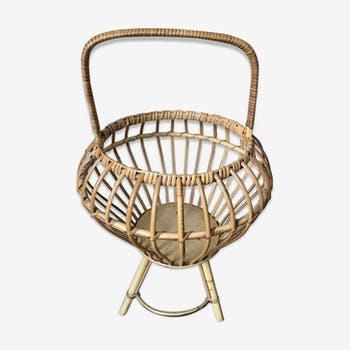 Basket rattan on foot ball coconut