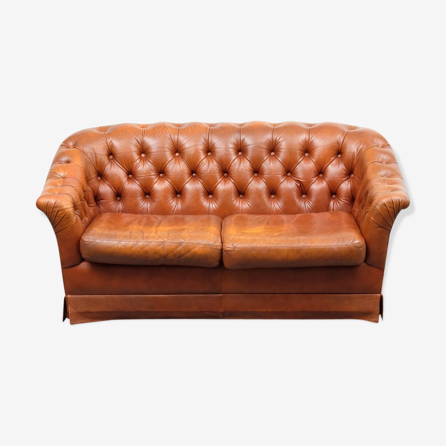 Canapé deux places style Chesterfield en cuir