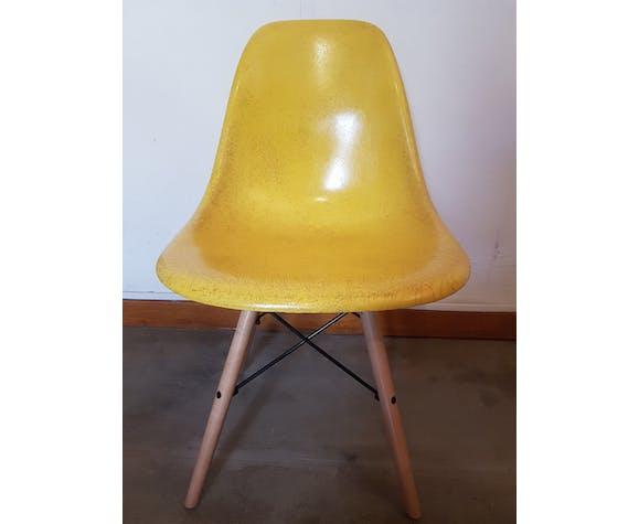 4 chaises DSW par Charles et Ray Eames pour Herman Miller
