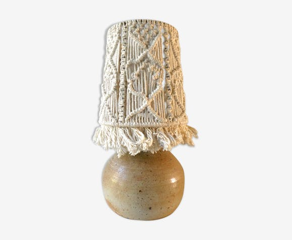 Lampe en grès avec son abat jour en macramé, Jean Migeon