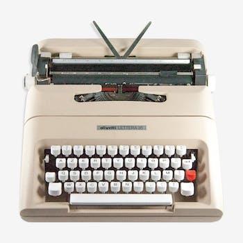 Machine à écrire olivetti lettera 35 copie