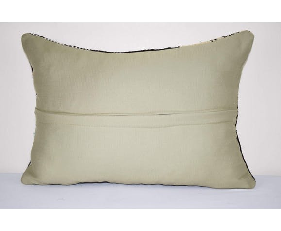 Lumbar Pillow Case Made from a Middle