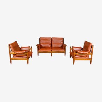 Salon en cuir comprenant une banquette 2 places et 2 fauteuils vintage 1960