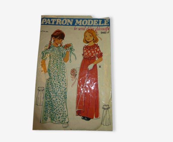 Deux Patrons Modèle, robes de cortège et tabliers vintage 1970 ...