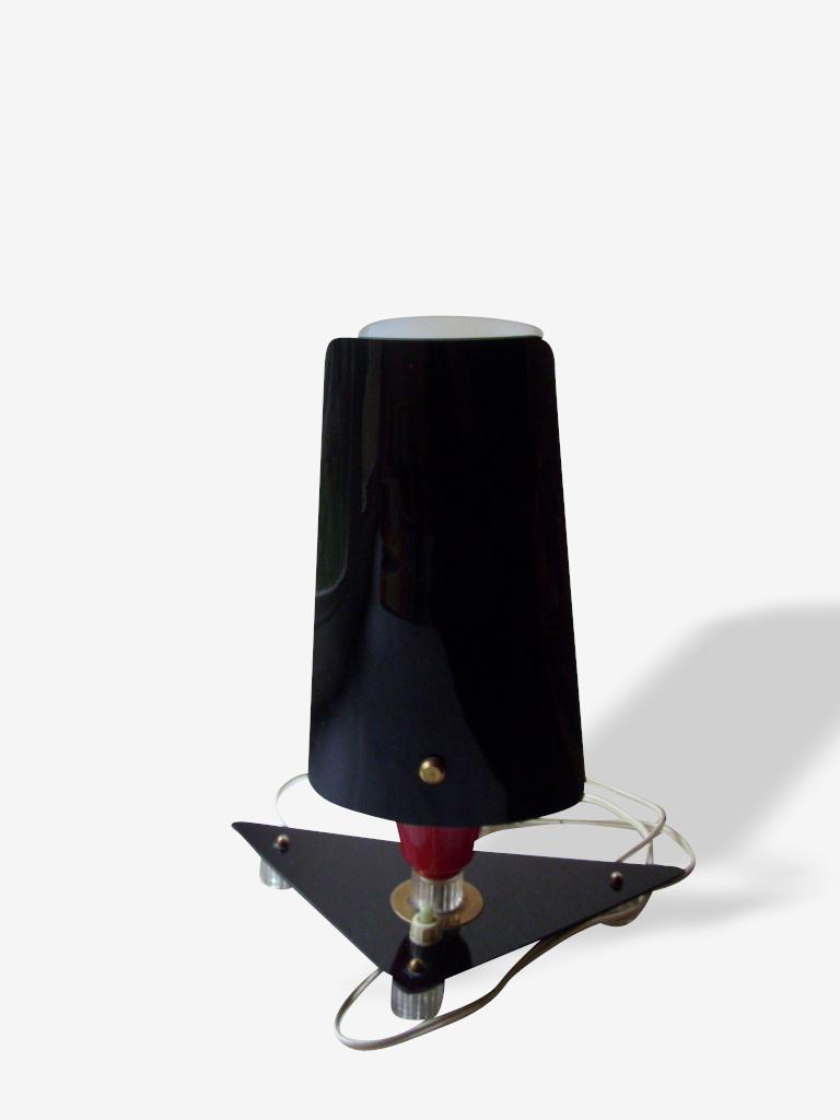 Lampe chevet en perpex rouge et noire - 1950