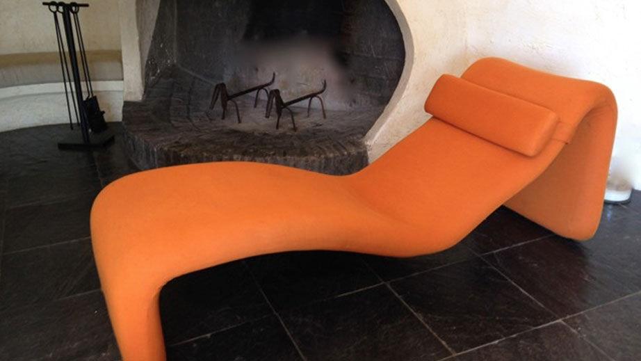 Chaise longue modele djin Olivier Mourgues metal orange design