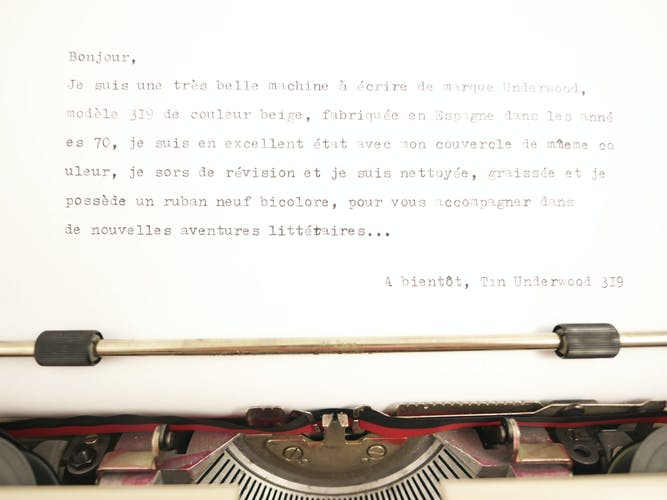 Machine à écrire underwood 319 beige vintage