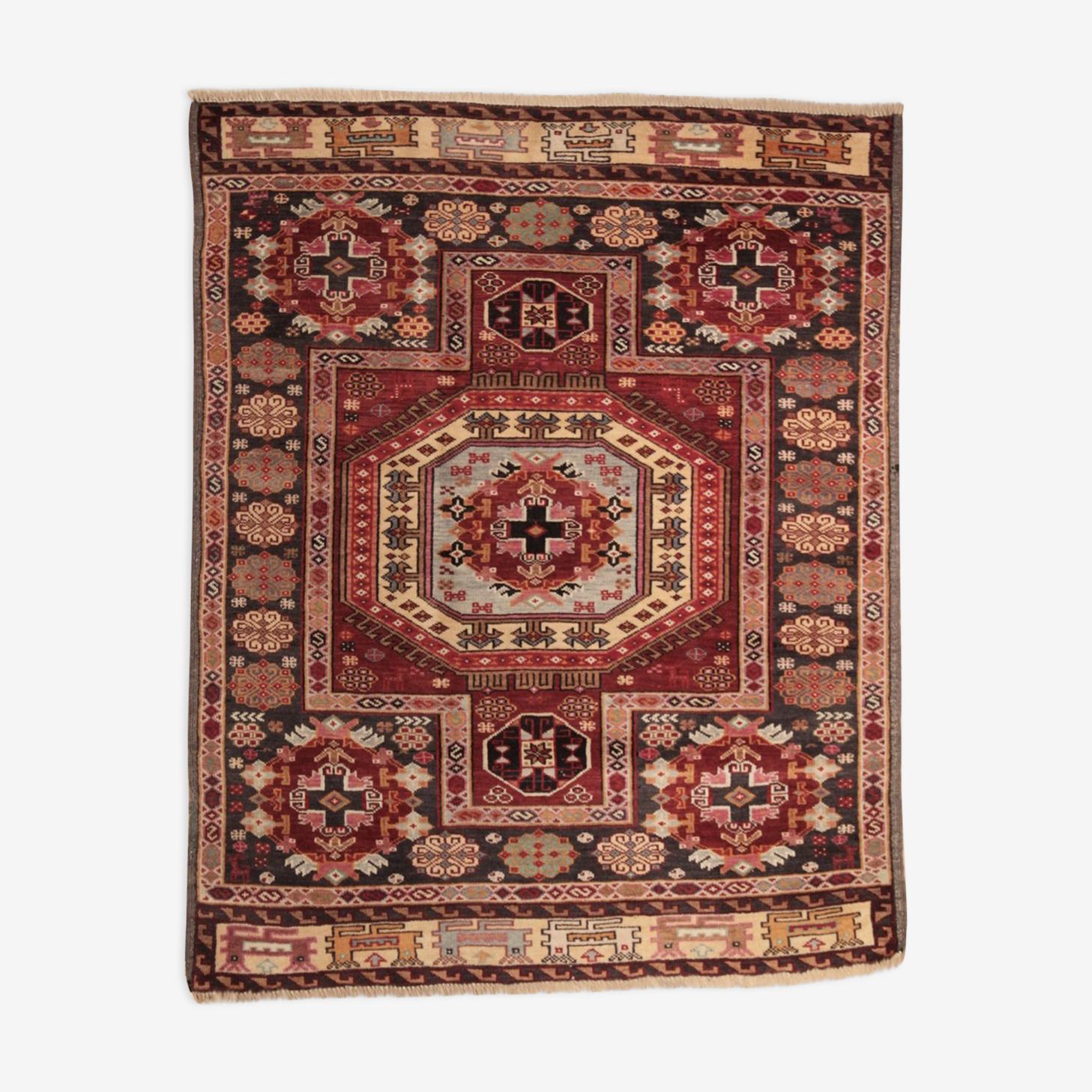 Persian rug Iranian Azerbaijan 133 x 108 cm
