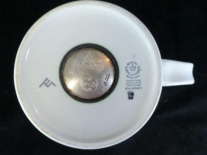 Mug Royal Copenhage 1981 en faience et argent 925