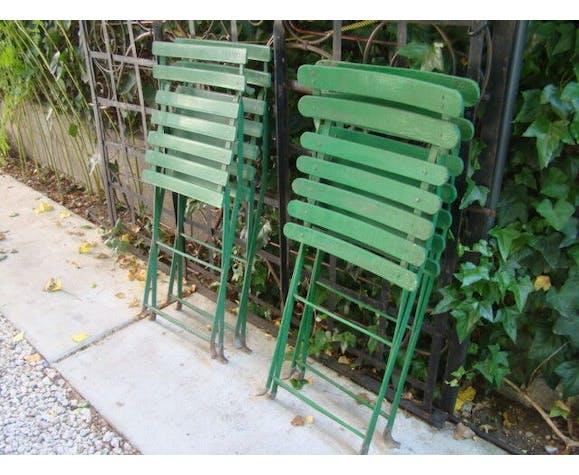 Lot de quatre chaises de jardin anciennes