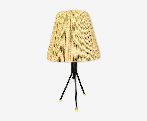 Bedside lamp in raffia