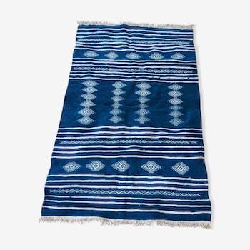 tapis kilim bleu berb re fait la main 200x115cm tissu. Black Bedroom Furniture Sets. Home Design Ideas