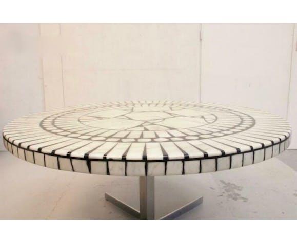 Table basse ronde en mosaïque de marbre de Carrare de Heinz Lilienthal des années 1970