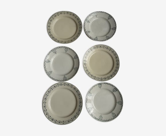 set of 6 dismatched plates